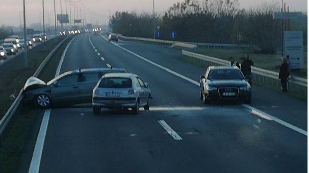 Sudar na auto-putu kod beogradskog aerodroma, sedmoro povređenih