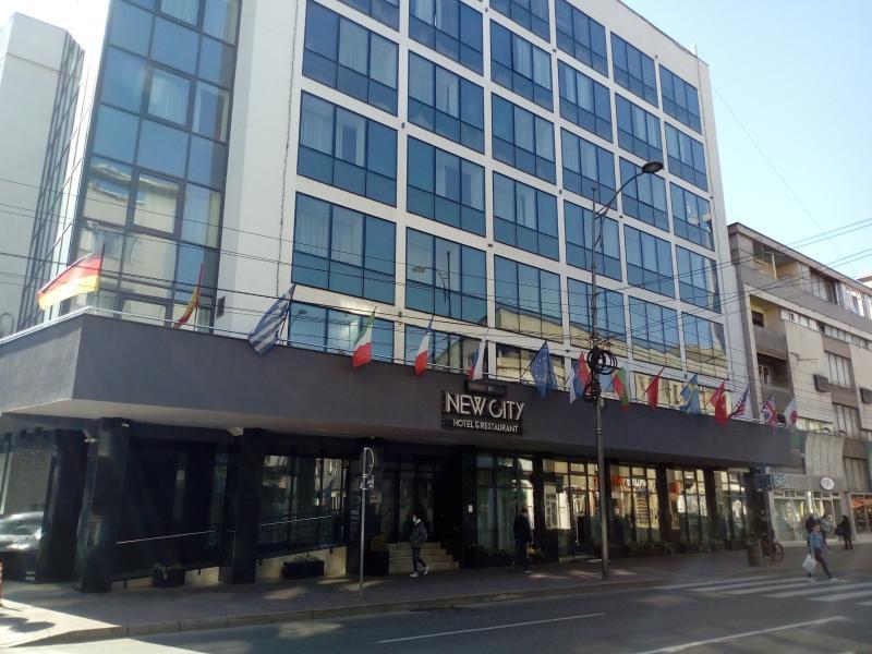 Suđenje zbog otkazane debate prošlo bez direktorke hotela Novice Tončeva i uz povlačenje svedoka