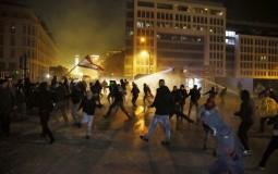 Sukobi na ulicama Bejruta, suzavcem i vodenim topovima na demonstrante