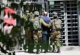Sukobi se nastavljaju; povređeno oko 270 ljudi; Palestinci kamenjem krenuli na vojsku