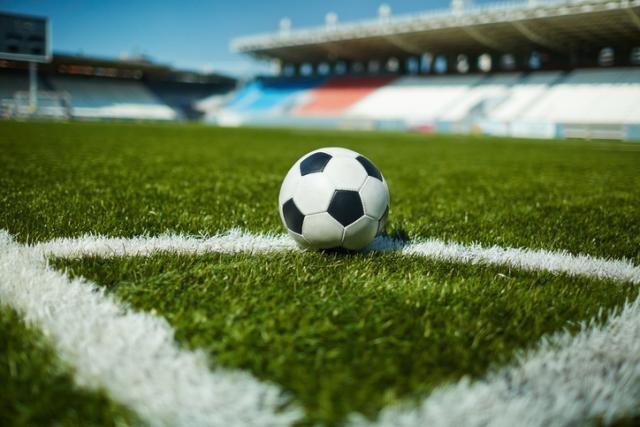 Superliga: Zvezda čeka Napredak, Partizan ide na Banjicu
