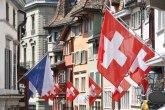 Švajcarci na referendumu prihvatili novi zakon o oružju