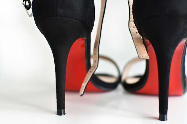 Svaka deseta kompanija u Japanu obavezuje žene da nose štikle