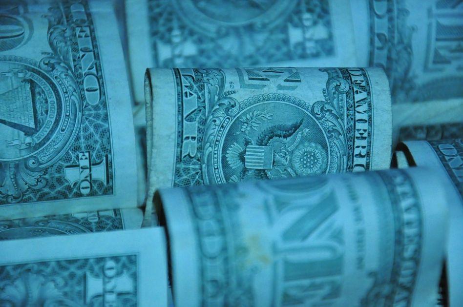 Svaki Amerikanac duguje 70.000 dolara