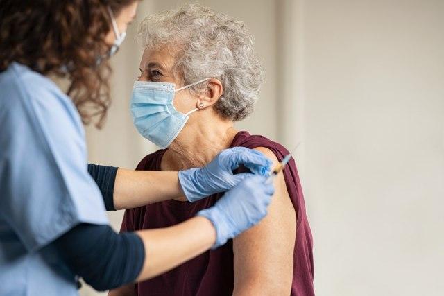 Sve više građana za vakcinaciju, petina bira vakcinu