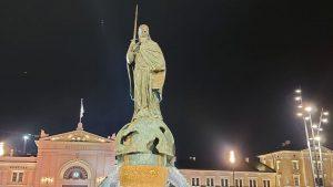 Otkriven spomenik Stefanu Nemanji uz kršenje epidemioloških mera (FOTO, VIDEO)