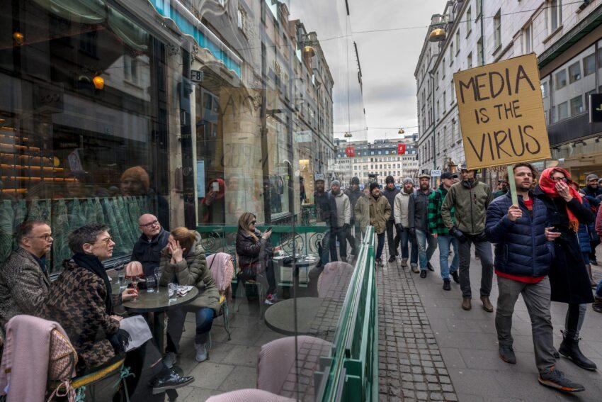 Švedska jedina u Evropi bez mera: Opasan eksperiment ili poslednja oaza ličnih sloboda?