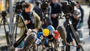 Pet minuta gromoglasne tišine za slobodu medija