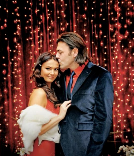 Svi detalji venčanja praktične žene i producenta: Izgovorila je sudbonosno da u ponoć, a tek da vidite venčanicu (FOTO)