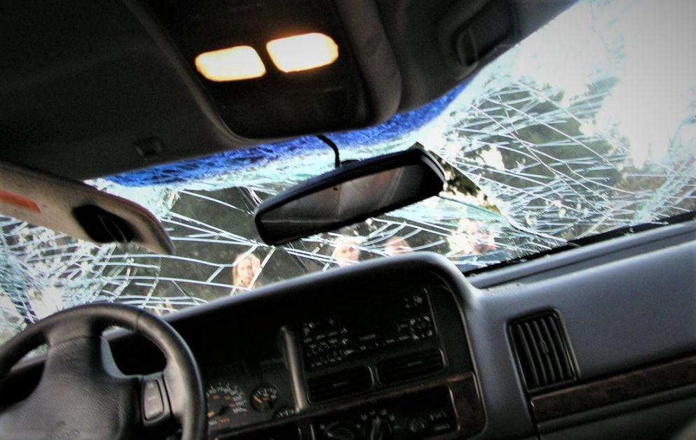 Svilajnac: Poginuo nakon što je sleteo s puta i udario u kamion