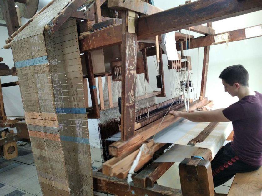 Svileni damast tkača iz Sombora krasi ambasade, elitne hotele i restorane