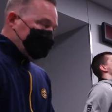 TAKVE OVACIJE NIKADA NIJE DOŽIVEO: Jokić UŠAO u svlačionicu Denvera, a tamo neviđeno SKANDIRANJE Srbinu (VIDEO)
