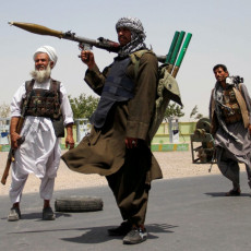 TALIBANI PONOVO NAPALI MISIJU UN: Ne obaziru se na pravila ratovanja, pucaju na sve pred sobom