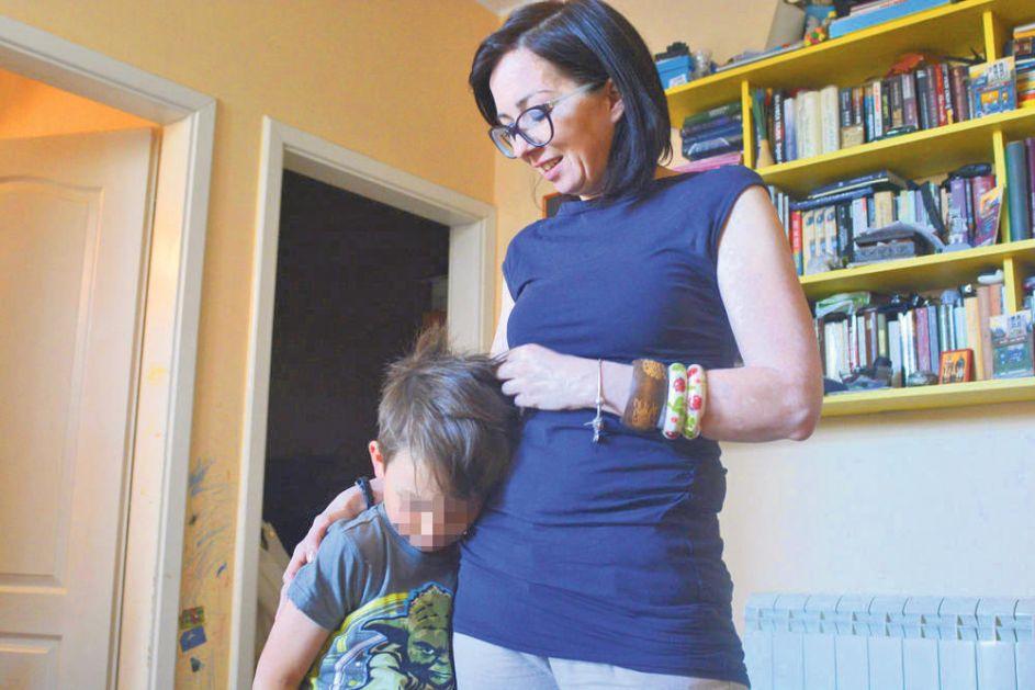 TATJANI ANIČIĆ I NJENOM SINU BOROMIRU (7) PRETI ISELJENJE: Nema pravo na stan a izbacuje samohranu majku