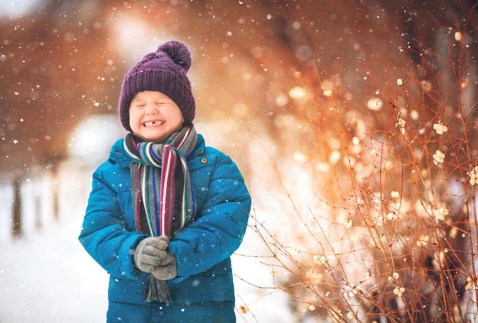 TEMPERATURA IDE IZ PLUS 20 U MINUS: Naglo zahlađenje donosi tegobe čak i mališanima!