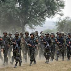 TENZIJE OKO SPORNE GRANICE: Sukob indijskih i kineskih vojnika, probudilo se STARO NEPRIJATELJSTVO