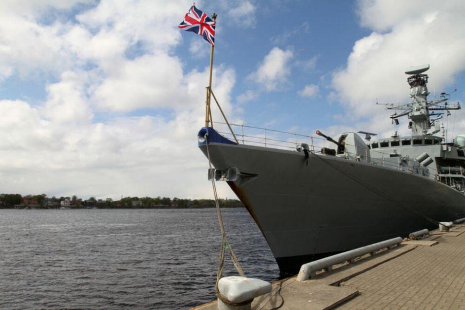 TENZIJE U LAMANŠU: Brodovi britanske mornarice patroliraju oko ostrva Džerzi posle sukoba sa Francuskom zbog prava na ribolov