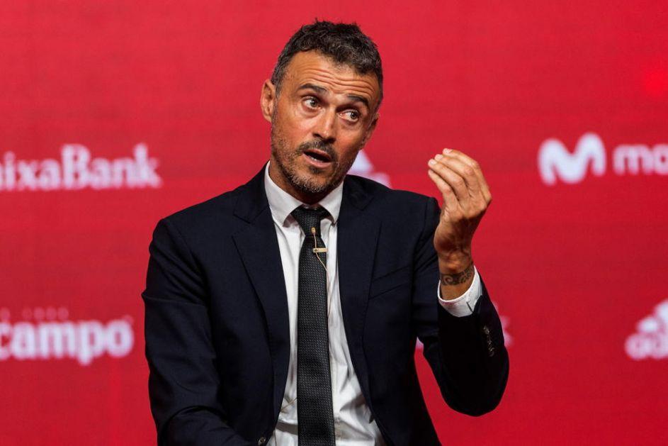 TEREN IM ODNEO DVA BODA: Španski selektor i fudbaleri nezadovoljni travnjakom u Sevilji!