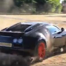 TERENSKA VOŽNJA: Pogledajte kako se moćni BUGATI VEJRON snalazi kada nema asfalta pod točkovima (VIDEO)