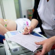 TEŠKA DRAMA U PROKUPLJU: Dete koje je upalo u septičku jamu ima temperaturu i zapaljenje pluća
