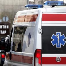 TEŠKA SAOBRAĆAJNA NESREĆA U BEOGRADU: Motociklista povređen u Paunovoj ulici