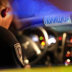 TEŠKA SAOBRAĆAJNA NESREĆA U ČAČKU: Devojka spala sa motora, vozač nastavio dalje