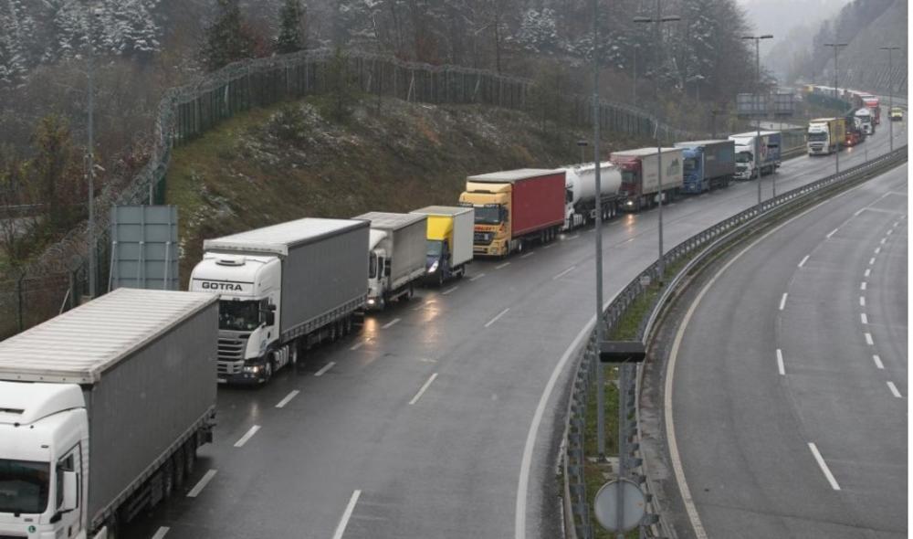 TEŽAK JAVAŠLUK NA KORIDORU 11: Pljušte krivične prijave za gradnju deonice Ub - Lajkovac! Svi materijali ugrađeni u auto-put nezadovoljavajućeg kvaliteta