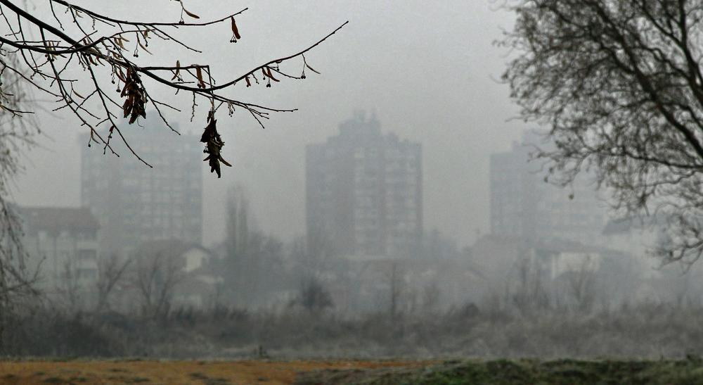 TIHI UBICA: Korona razara one koji godinama udišu zagađen vazduh!