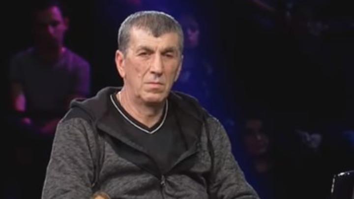 TOMOVIĆ JE KOMPLEKSAŠ, MILJANA SE SA SVIMA SPRDA: Siniša Kulić bez dlake na jeziku komentarisao zadrugare, otkrio da je Zola slagao njegovu ćerku, a evo šta je rekao na JANJUŠEVO UDVARANJE MARIJI! (FOTO)