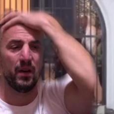 TOMOVIĆ ZARAŽEN KORONAVIRUSOM - Objavljen POZITIVAN TEST! Odmah prebačen u KARANTIN (FOTO)