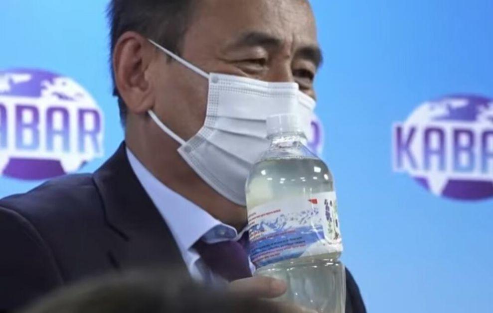 TONIKOM OD NAJOTROVNIJE BILJKE U ZEMLJI LEČE KORONU: Predsednik Kirgistana dao lekarima porodični recept! Džabe upozorenja struke