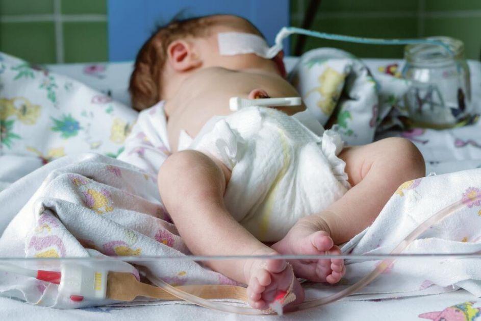 TRAGEDIJA! OD KORONE UMRLA BEBA STARA SAMO 10 DANA: Devojčica razvila teške simptome virusa koji se obično viđaju kod starijih