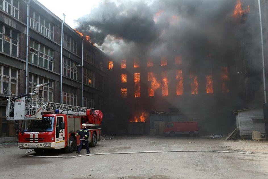 TRAGEDIJA U MOSKVI, PETORO POGINULO: Vatra buknula u zavarivačkoj radnji! Posle eksplozije plamen se proširo na dva sprata