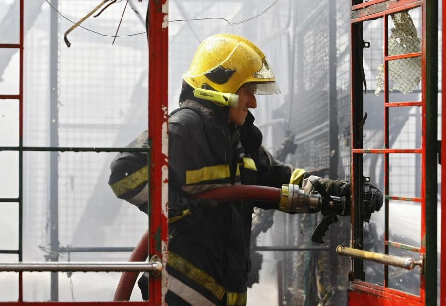 TRAGEDIJA U SUBOTICI: Kaljeva peć izazvala požar u kući, starica (91) se ugušila od dima!