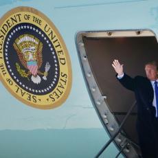 TRAMP UMALO KAO DAČIĆ: Grom ciljao ravno u predsednički avion, promašio ga za dlaku! (FOTO)