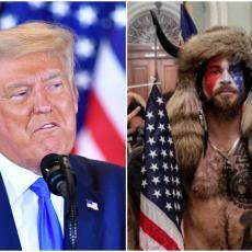 TRAMPA NAPUŠTAJU NAJVERNIJE PRISTALICE: Šaman sa rogovima progovorio, oseća se izdanim