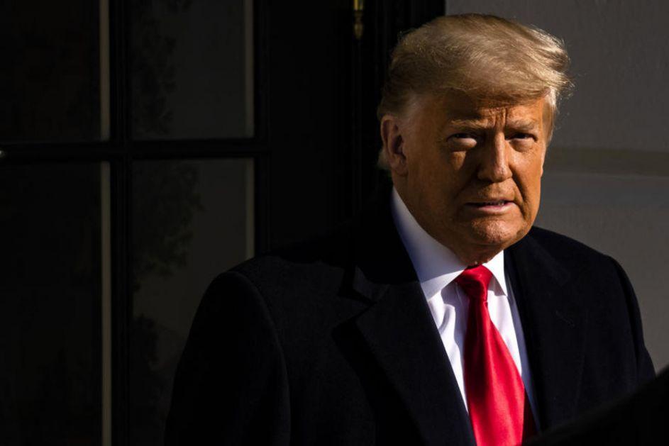 TRAMPA PODRŽAVA 34 ODSTO AMERIKANACA Rezultati ankete Galupa: Predsednik SAD napušta Belu kuću sa najnižim rejtingom