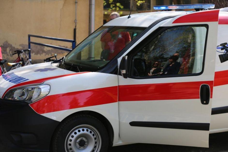 TRANSPORTOVAO PACIJENTKINJU IZ BEOGRADA: Sanitetsko vozilo iz Orahovca 3 dana zarobljeno na Merdaru