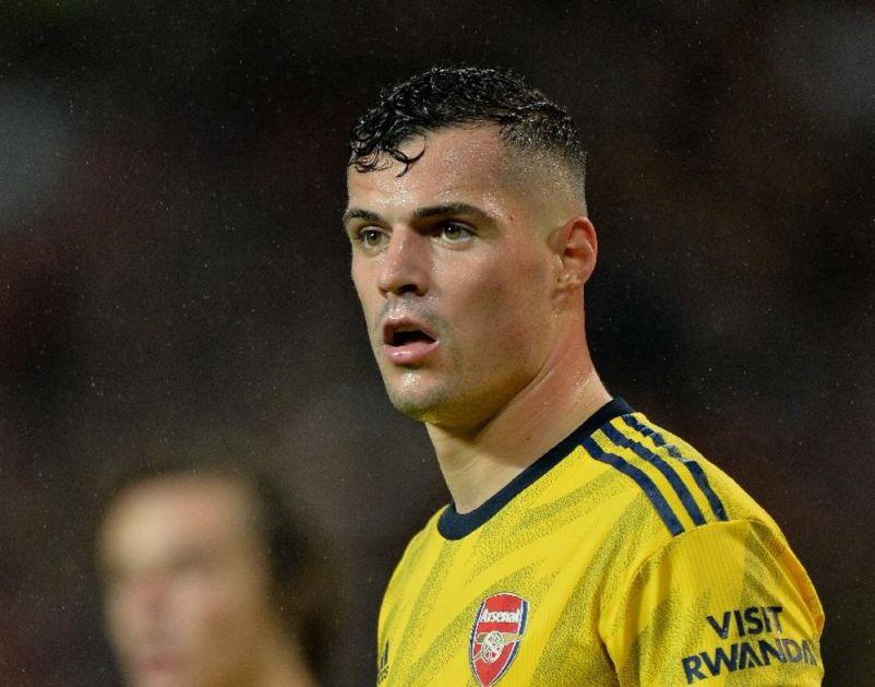 TRENER ARSENALA OTKRIO: Evo šta je Granit Džaka tražio posle skandala koji je izazvao sa navijačima Arsenala