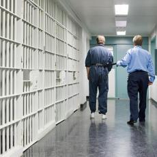 TRI MESECA ZATVORA: Muškarac (34) uhapšen nakon što je krao hirurške maske i rukavice iz bolnice