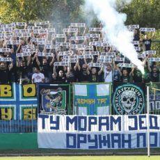 TU MORAM JEDNOM NAORUŽAN POĆ! IZ ZEMUNA ZA NAROD NA BRANIKU OTADŽBINE: Moćan transparent podrške Srbima sa Kosmeta (FOTO)
