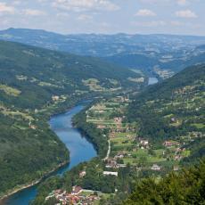 TUGA DO NEBA: Utopio se mladić (21) u Drini, prevrnuo se vozeći kajak u Beserovini