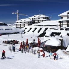 TURISTI POHRLILI NA SRPSKU PLANINU: Počela sezona skijanja na Kopaoniku