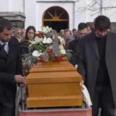 TUŽAN DAN ZA MILOŠA TEODOSIĆA: Košarkaš U SUZAMA sahranio oca! Jelisaveta sve vreme bila uz njega
