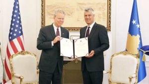 Tači odlikovao američkog ambasadora na Kosovu