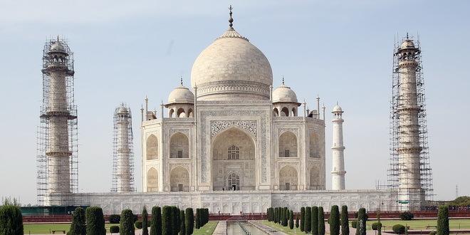 Tadž Mahal malo oštećen u oluji