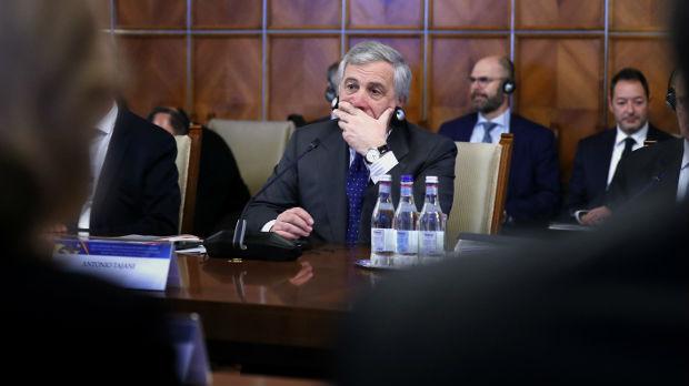Tajani ponovo na udaru zbog kontroverznih izjava, hvalio Musolinija