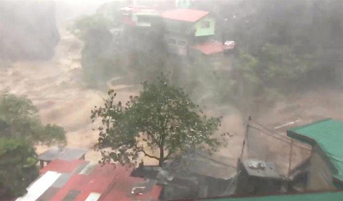 Tajfun odneo 64 života na Filipinima i dva u Hongkongu