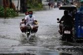 Tajfun primorao hiljade ljudi da se evakuišu FOTO
