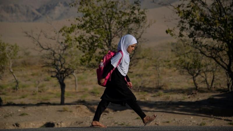 Talibani kažu da rade na ponovnom otvaranju srednjih škola za djevojke